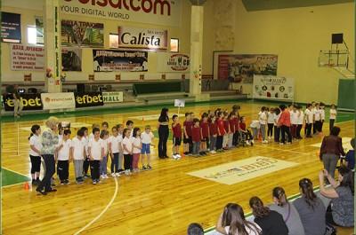 Весел и забавен втори великденски детски спортен празник