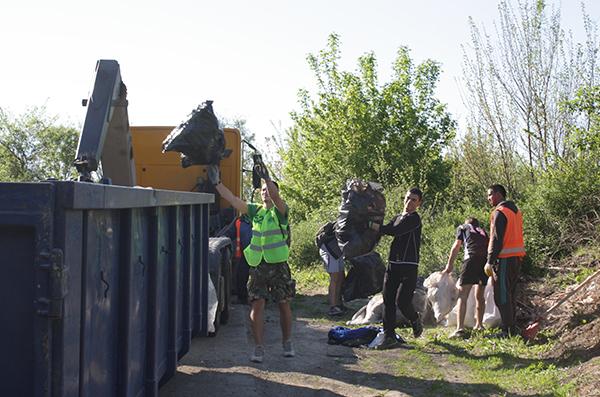 Приключи пролетното почистване на река Бедечка